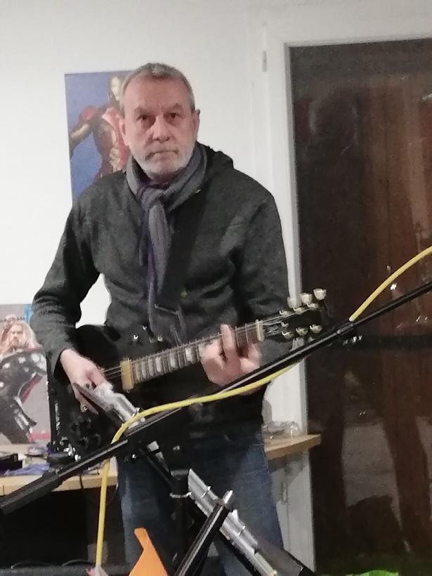Bertrand du groupe de rock les fifty box