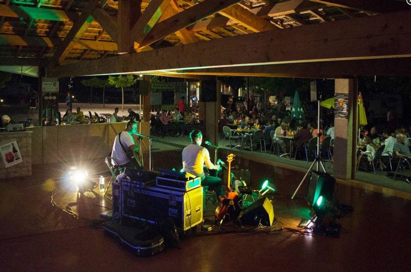 Concert des fifty box camping la Pinède Gréoux les bains